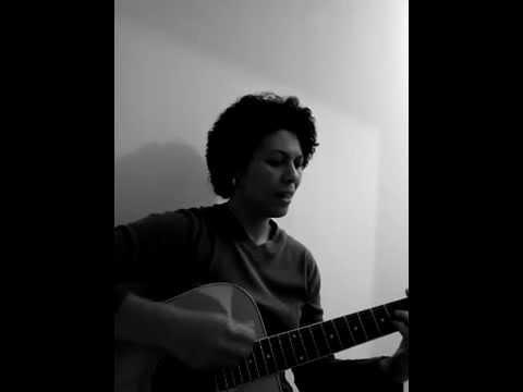 MEIO ALMOD�VAR(LENINE) - Karina Branco