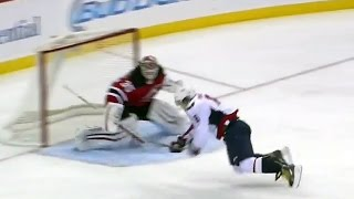 Ovechkin dekes his way to unbelievable goal