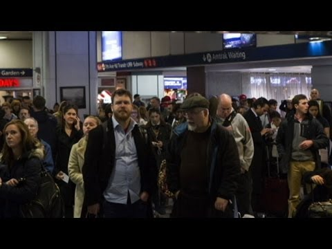 Thanksgiving Storm Causes Flight Cancellations