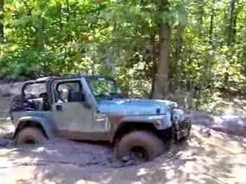 Jeep Wrangler in Mud Pit at Rausch Creek offroad park. Video