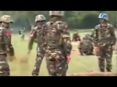 Pekín (China), 25 de enero (CERESTV.info) Soldados chinos se pasan una granada a punto de explotar. El vídeo lo dio a conocer la televisión estatal china y f...