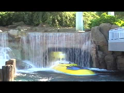 Finding Nemo Submarine Voyage (Complete Ride Experience) Part 1 of 2 Disneyland Resort California