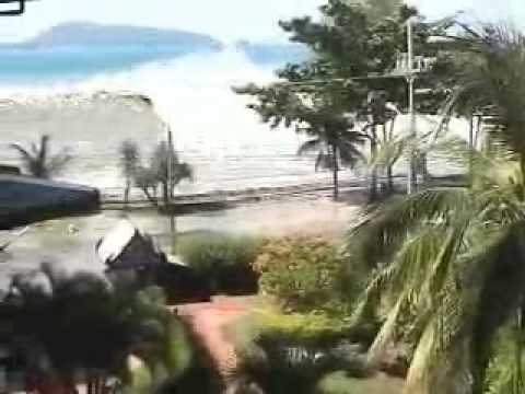 Thailand Wave Amateur camcorder footage of the 2004 tsunami disaster