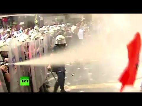 Cops beat, teargas Turkish protesters angry at govt stance on Syria