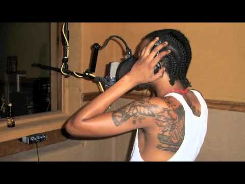 Tommy Lee Sparta~{she Nae Nae} (sniper Records)~nov 2010 video
