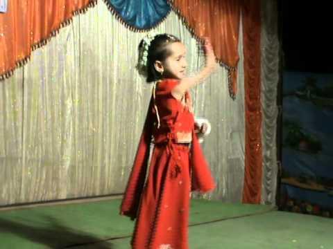 Rutuja Dandwate With Gori Gori  Pan Marathi Song video