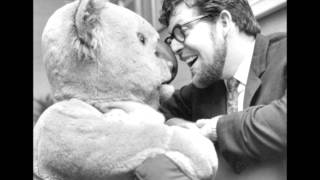 Watch Rolf Harris I Touch Myself video