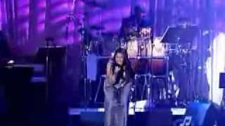 "Jennifer Hudson Video - Jennifer Hudson singing ""And I Am Telling You I'm Not Going"""