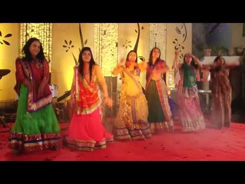 Titli + Nagada Sang Dhol Baaje !! ( Sisters Performing On Nirja-riken's Sangeet Sandhya) !! video