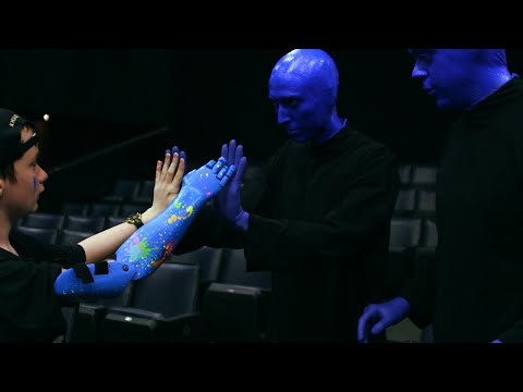 3DHope: Blue Man Group Delivers a Robotic Arm