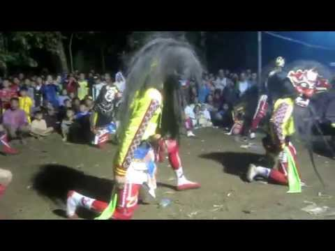 (kuda Lumping Part 01):  Kembang Api Dan Menari Dengan Topeng Setan video