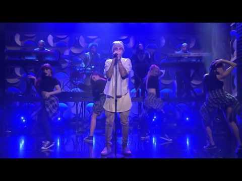 Justin Bieber - Sorry (Acustic) Live Diciembre 2015 thumbnail