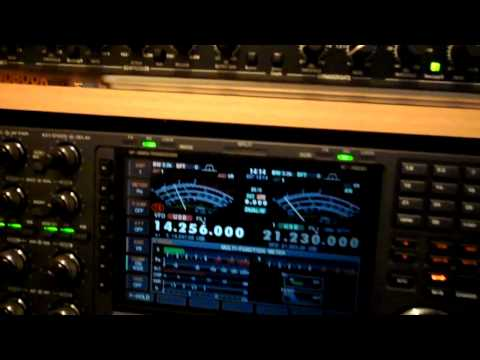 Ham radio shack ((G0SEC)) quick tour and QSO with Tony IZ6BXV