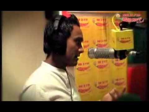 ravi pal play dholak with master salim of radio mirchi