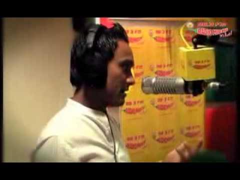 ravi pal play dholak with master salim of radio mirchi