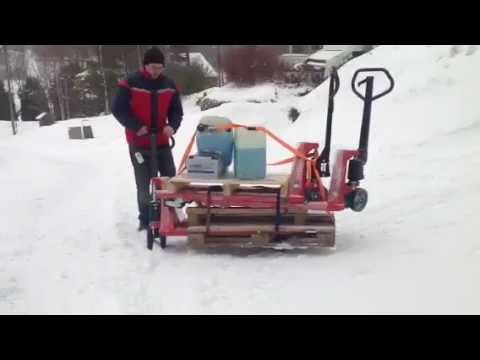 The Panther Silent pallet truck performs in snowy areas.MOV