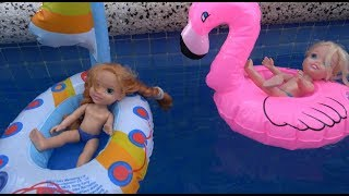 Elsa and Anna toddlers water adventure with Moana, boats, jet ski and floaties