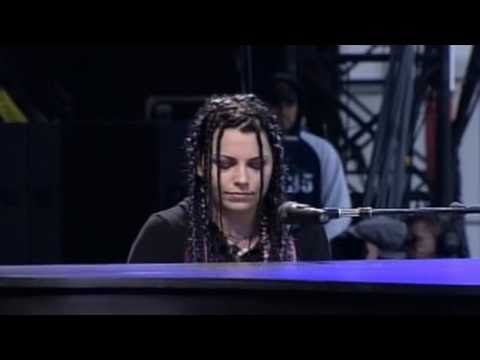 Download Lagu Evanescence - Bring Me To Life (Live @ Rock Am Ring 2004) MP3 Free