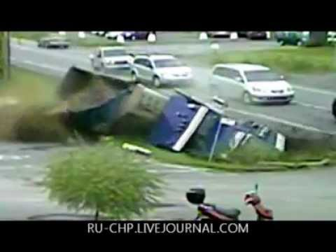 Watch Worst 1997-2011 Car Crashes from Around the World (Compilation)