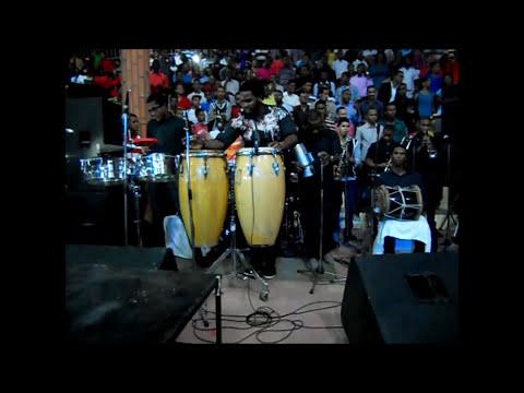 Carcoma Band En La Convención de Jóvenes De La Iglesia de Dios de la Profecía 2013 RD