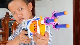 NERF WAR: SPINNER GUN BATTLE SHOT