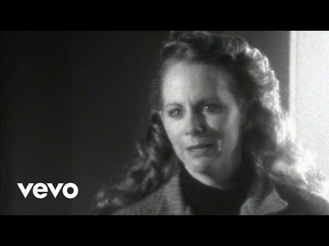 Reba McEntire - The Night The Lights Went Out In Georgia Video