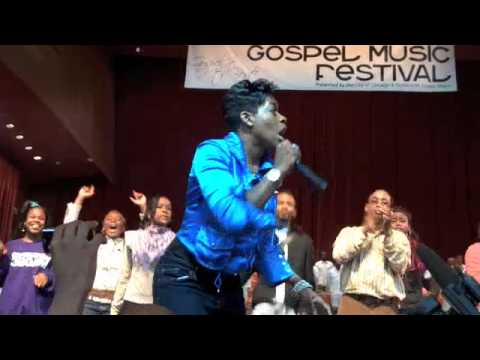 Fantashia at Chicago Gospel Fest 09 (PEOPLE BOMB RUSH STAGE)