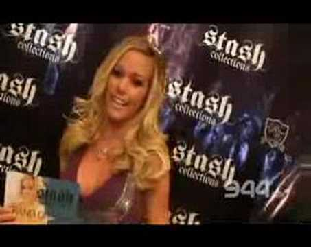944 VIDEO Stash Opening with Kendra Wilkinson