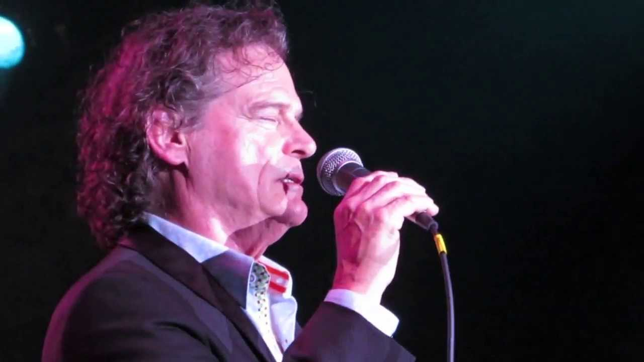 B J Thomas Sings Hooked On A Feeling Live In Atlantic City 2013 Youtube