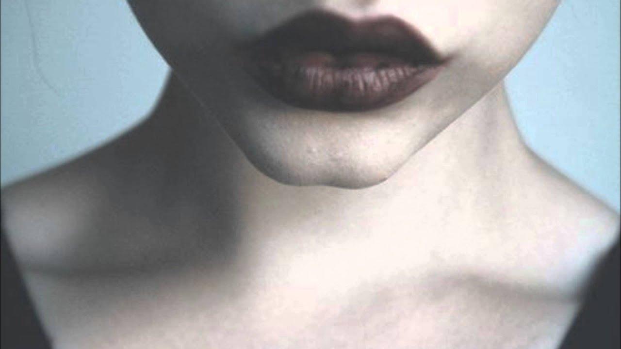 Фото девушка губы и шея