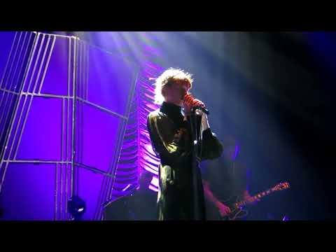 Seven Devils - Florence + the Machine (Live)