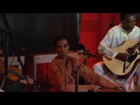 Raj Mohan live sings Ghazal Kale badal.avi