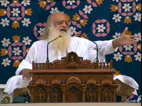 Asaram Bapu Ji - Great Bhajan - Rab Mera Satguru Banke Aaya (1 2) video