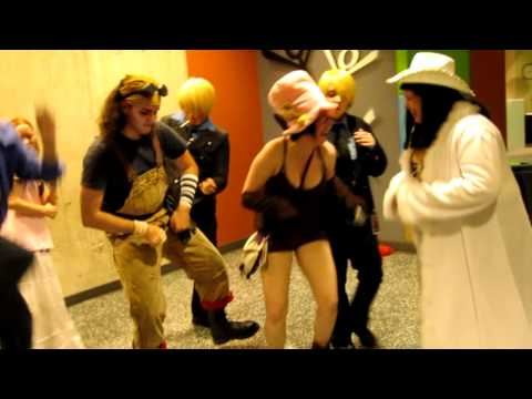 one piece dancing  youmacon 2010 Fri.