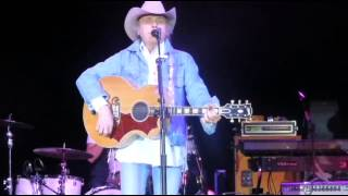 Watch Dwight Yoakam Dreams Of Clay video