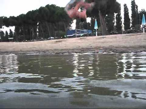 Bboy Hakim Raebels some fun at  italian beach