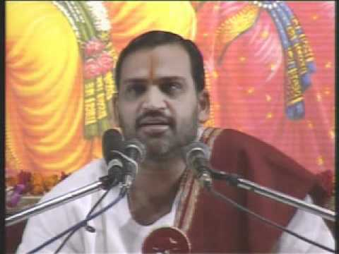Mujhe Tumne Maalik  Bahut Kuch Dia Hai--(a Beautiful Bhajan--just Watch) Shri Prem Bhushan Ji.flv video