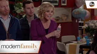 Claire Gives Her Baby Shower Speech – Modern Family
