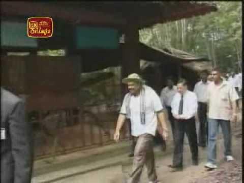 Sri Lankan President inspects the tunnel network in Vietnam