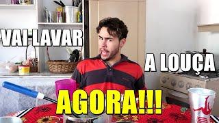 A VIDA DE MARIVALDA - Marivalda não quer lavar a louça sozinha