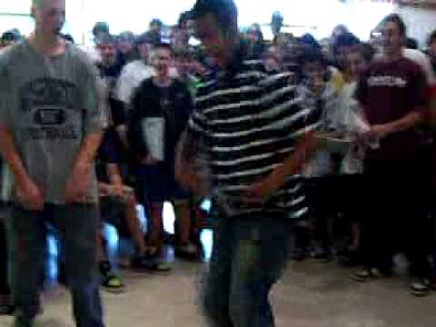 EJH Dance-Off at 2009 Yearbook Signing Part 1