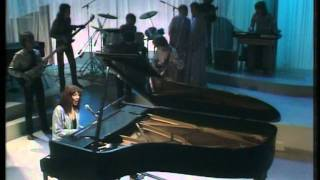 Watch Kate Bush Symphony In Blue video