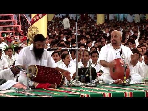 Guru Karaikudi Mani (Part 03)  performing at Prasanthi Nilayam, Sathya Sai Baba Ashram