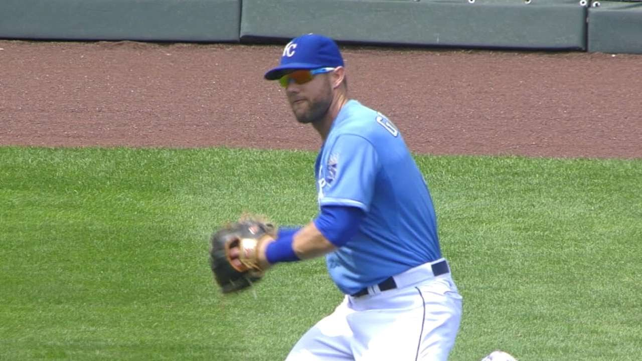 MIN@KC: Gordon robs Plouffe twice with diving catches