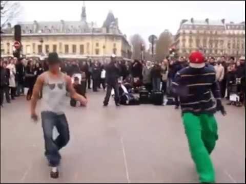 Уличные танцы в Париже, парни очень классно танцуют!