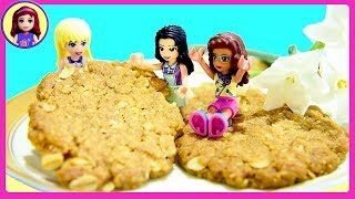 Lego Friends in the Big World - How to Bake Easy Anzac Cookies (with Millie too!)