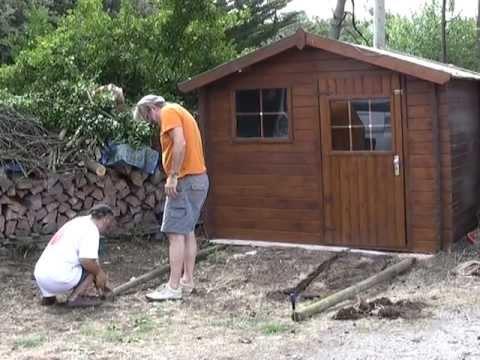 un chien aboie et la cabane passe youtube On cabane de jardin 10m2