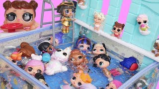 LOL Dolls Families at Fake Barbie Splash Fountain Pool Dollhouse