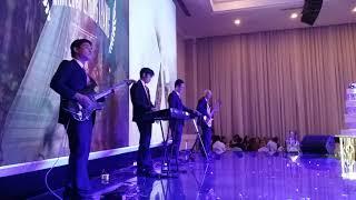 Thanh Guitar solo - Triệu Đóa Hoa Hồng hòa tấu với ban nhạc ( T4-18.07.2018 )
