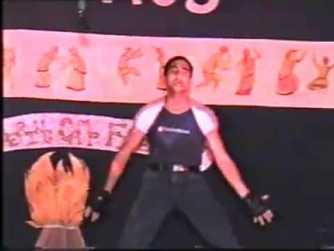 Vikash Jaitly dancing on kaho na pyar hai movie song dil ne...